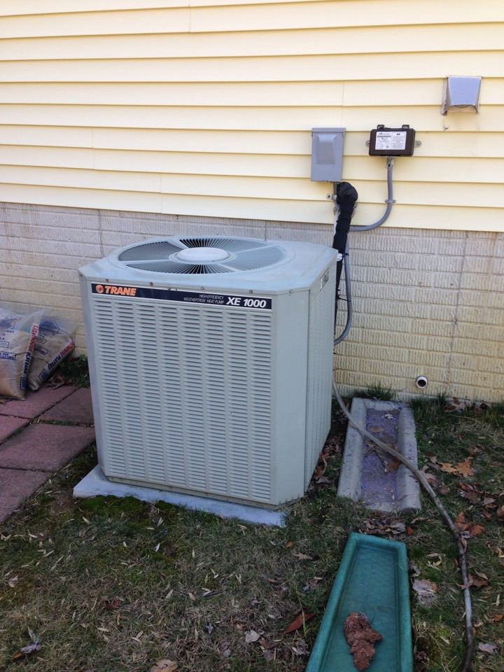 Gambrills, MD - Trane ac air conditioning & heating system, Honeywell electronic air cleaner & Aprilaire whole house humidifier replacement installation & plumbing repair service call in Gambrills MD 21054