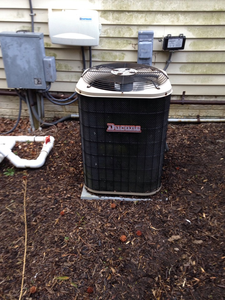Crofton, MD - Ducane AC air conditioner & cooling system installation repair service call in Crofton Maryland 21114