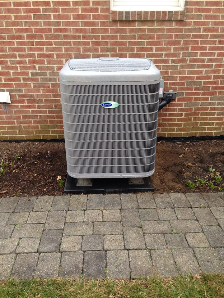Crofton, MD - Carrier heat pump ac air conditioning system installation repair service call in Crofton Maryland 21114