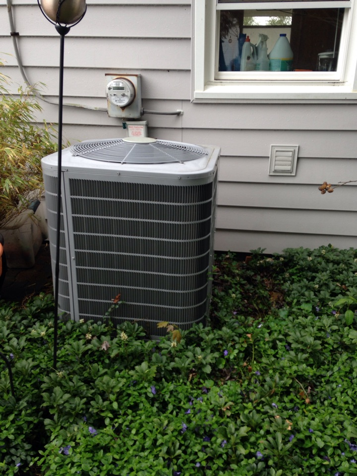 Gambrills, MD - A/C air conditioner & cooling system installation repair service call in Gambrills Maryland 21054