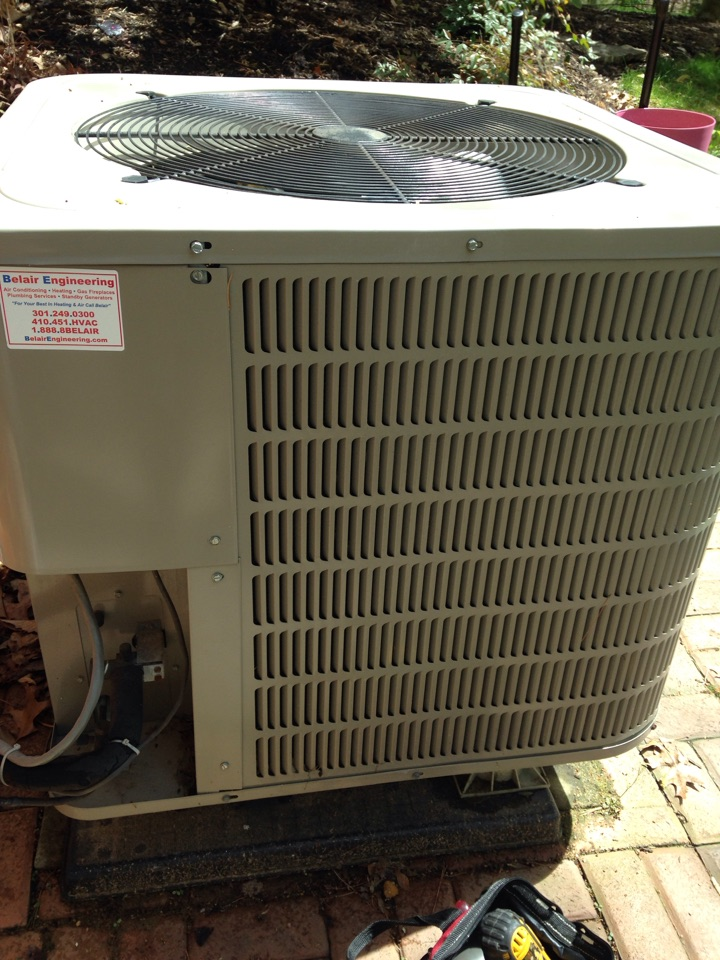 Gambrills, MD - Carrier heat pump ac air conditioning & heating system installation repair service call in Gambrills Maryland 21054