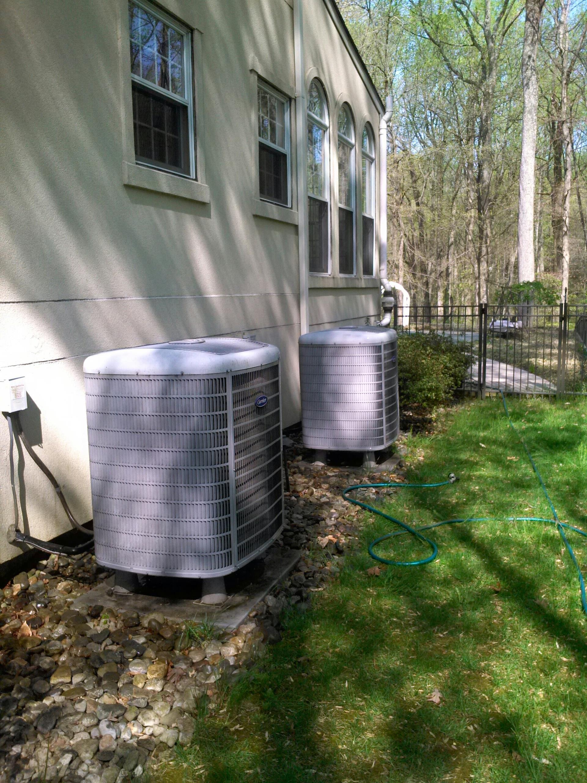 Crownsville, MD - Heat pump heating & ac air conditioning system installation repair service call.
