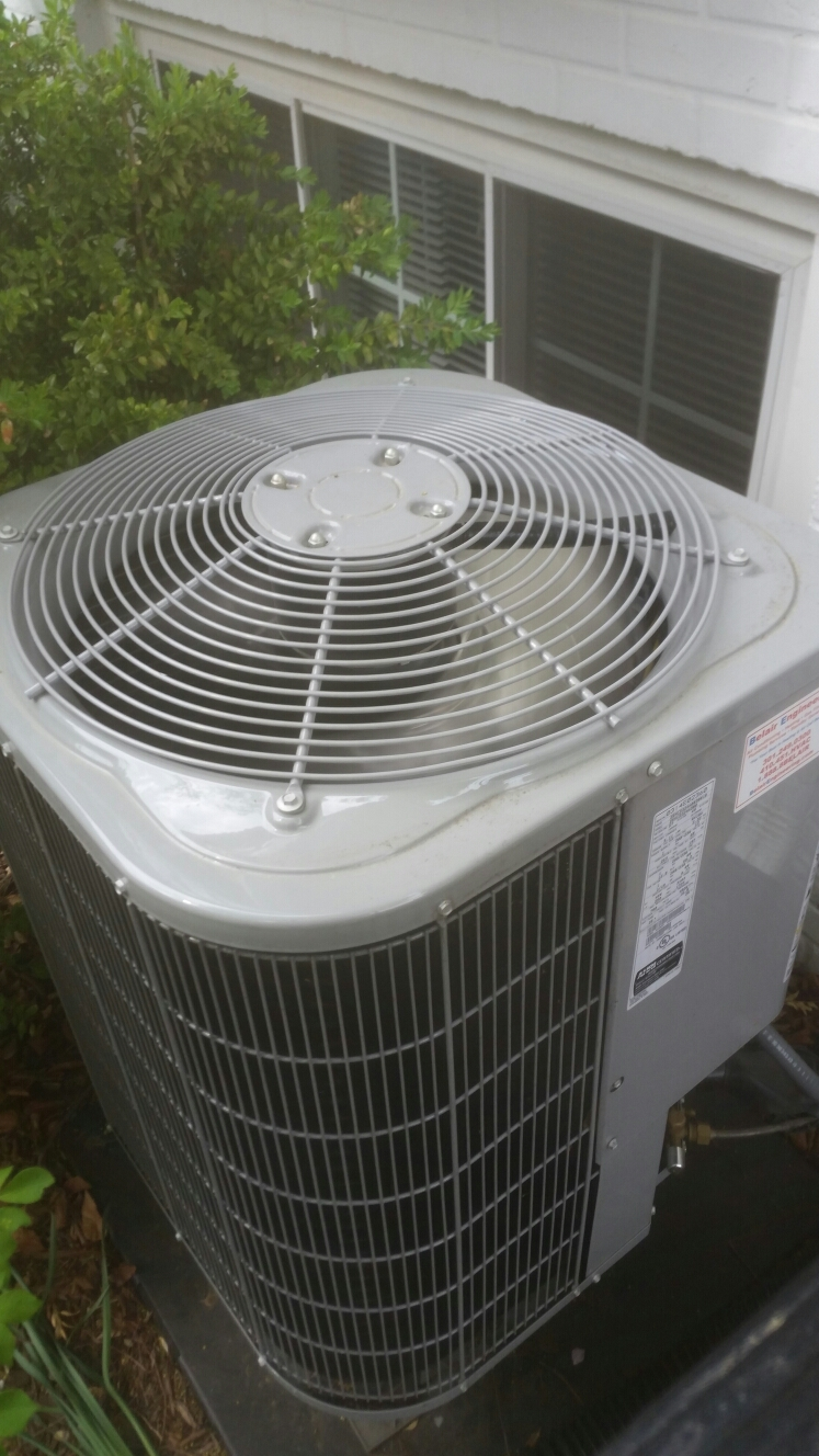 Crofton, MD - AC air conditioning & heating system installation repair service call in Crofton Maryland 21114