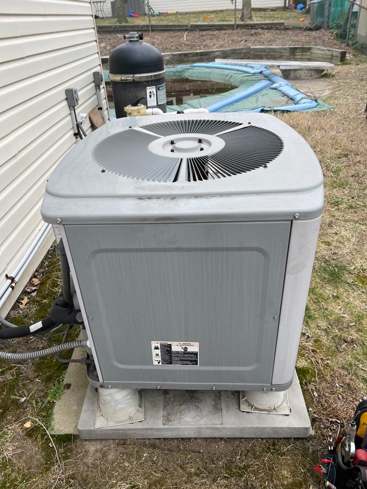 Severn, MD - Carrier heat pump repair