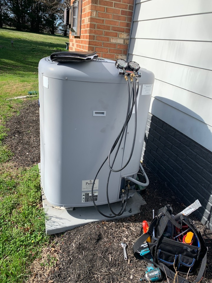 Davidsonville, MD - Carrier Air Conditioning Service Repair