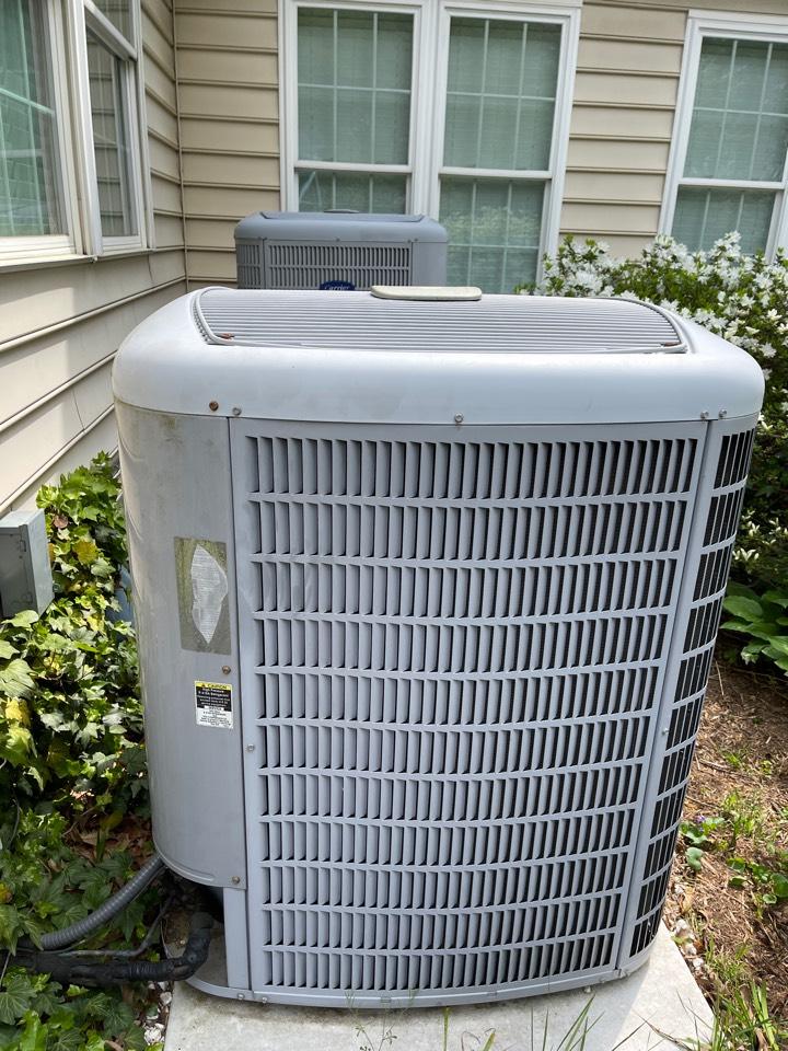 Crofton, MD - Carrier air conditioning repair