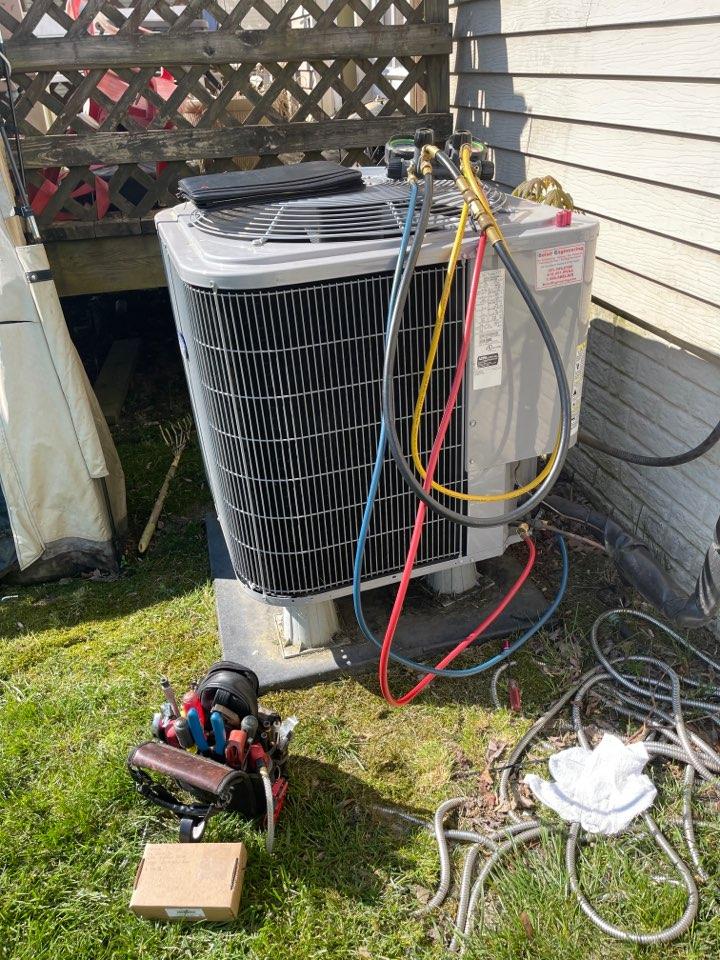 Upper Marlboro, MD - Carrier air conditioning repair