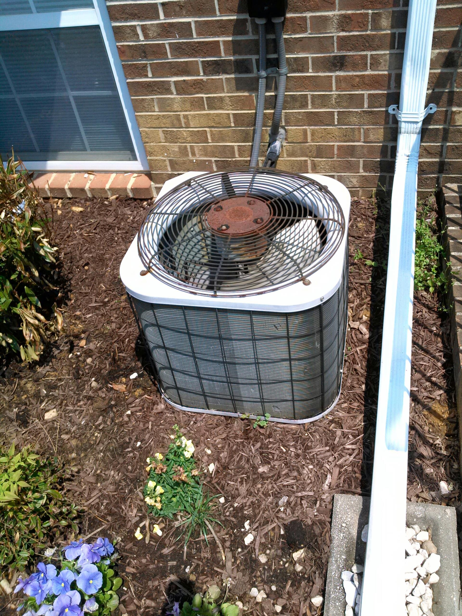 Crofton, MD - A/C air conditioner & cooling system installation repair service call in Crofton Maryland