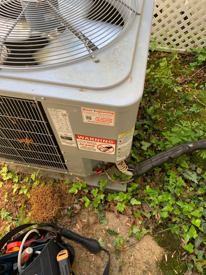 Waldorf, MD - Carrier Air Conditioning Repair