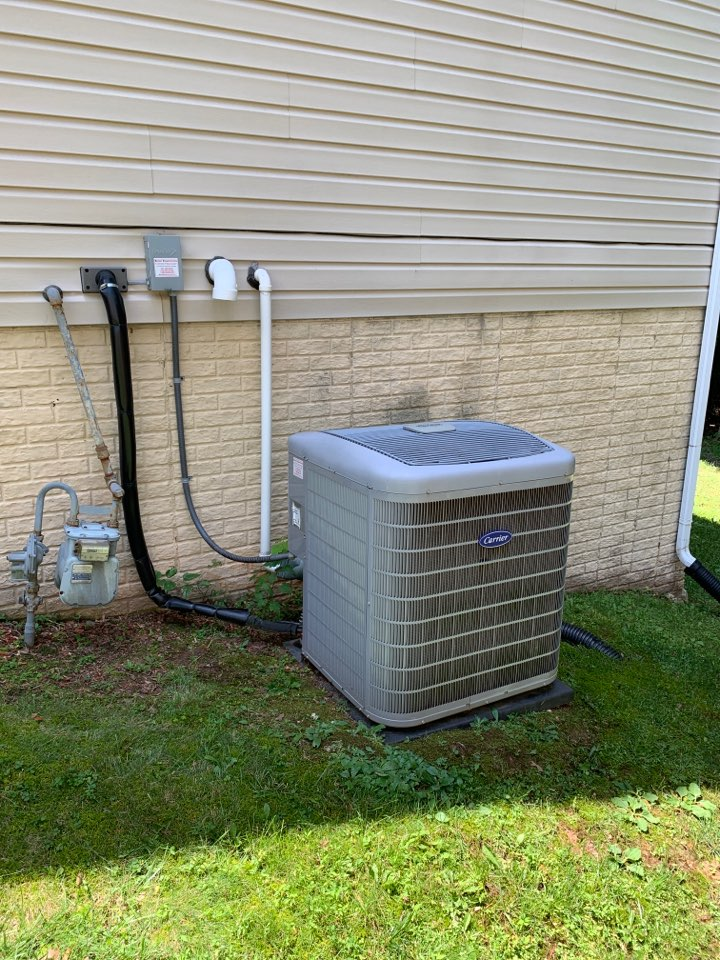Springdale, MD - Carrier air conditioner & gas furnace heating system repair service call Springdale Maryland
