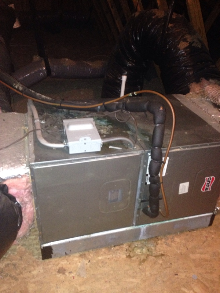 Gambrills, MD - Ruud heat pump ac air conditioning & heating system replacement installation repair service call in Gambrills Maryland