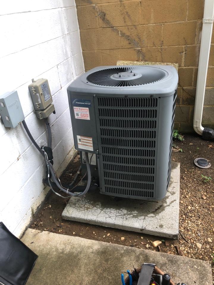 Largo, MD - Heat pump