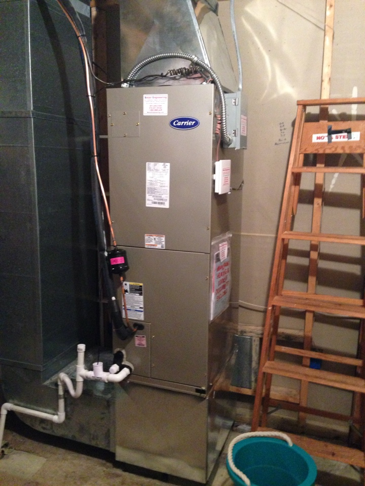 Crofton, MD - Carrier heat pump ac air conditioning & heating system installation repair service call in Crofton Maryland 21114