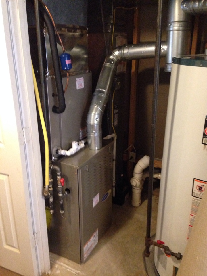 Crofton, MD - Carrier AC air conditioning & heating system replacement installation repair service call in Crofton Maryland 21114