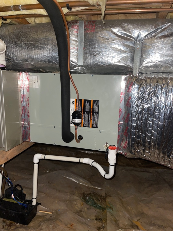 Huntingtown, MD - Trane heat pump furnace heating & AC system replacement installation Huntingtown Maryland