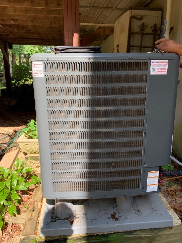 Laurel, MD - Goodman heat pump repair service call Laurel Maryland