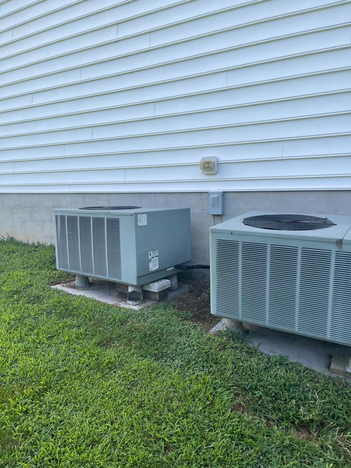 Tracys Landing, MD - Goodman heat pump furnace heating & AC system replacement installation in Tracys Landing Maryland