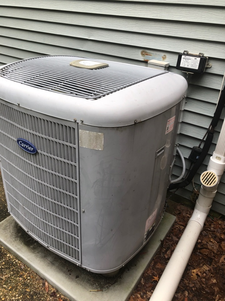 Lanham, MD - Carrier Heat Pump heating maintenance repair services with Flood Protection
