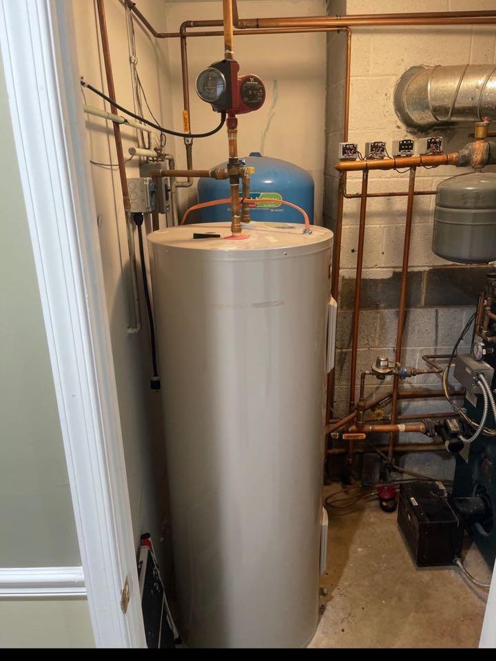 Lothian, MD - Hot water repair