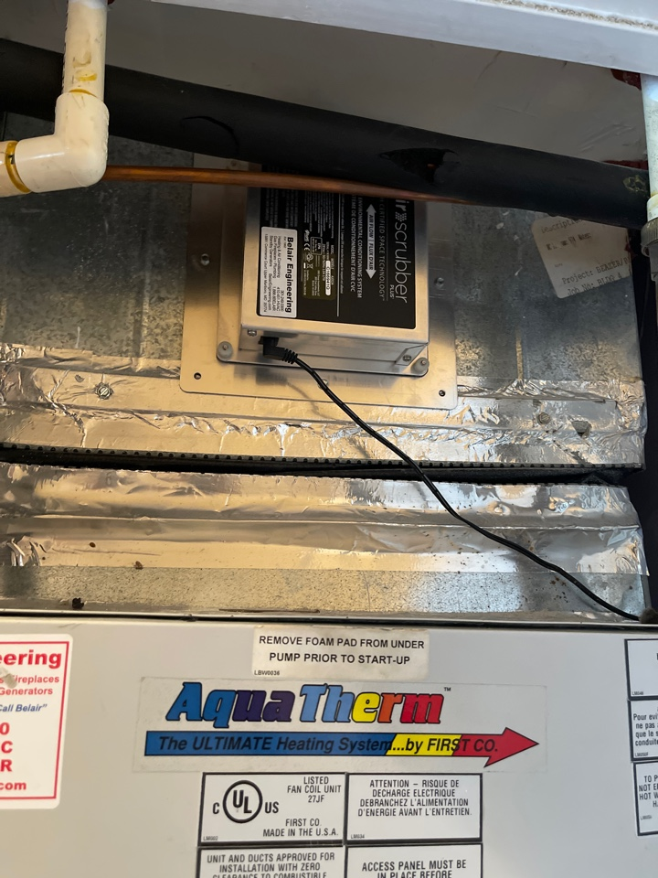 Odenton, MD - Replacing a new air scrubber lightbulb