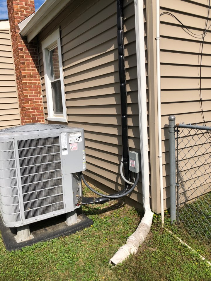 Upper Marlboro, MD - Carrier Heat Pump maintenance repair services with Flood protection and washable filter