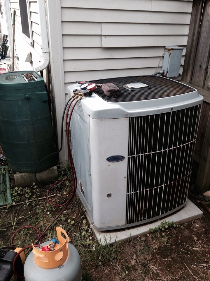 Gambrills, MD - Carrier ac air conditioning & heating system replacement installation repair service call in Gambrills Maryland 21054