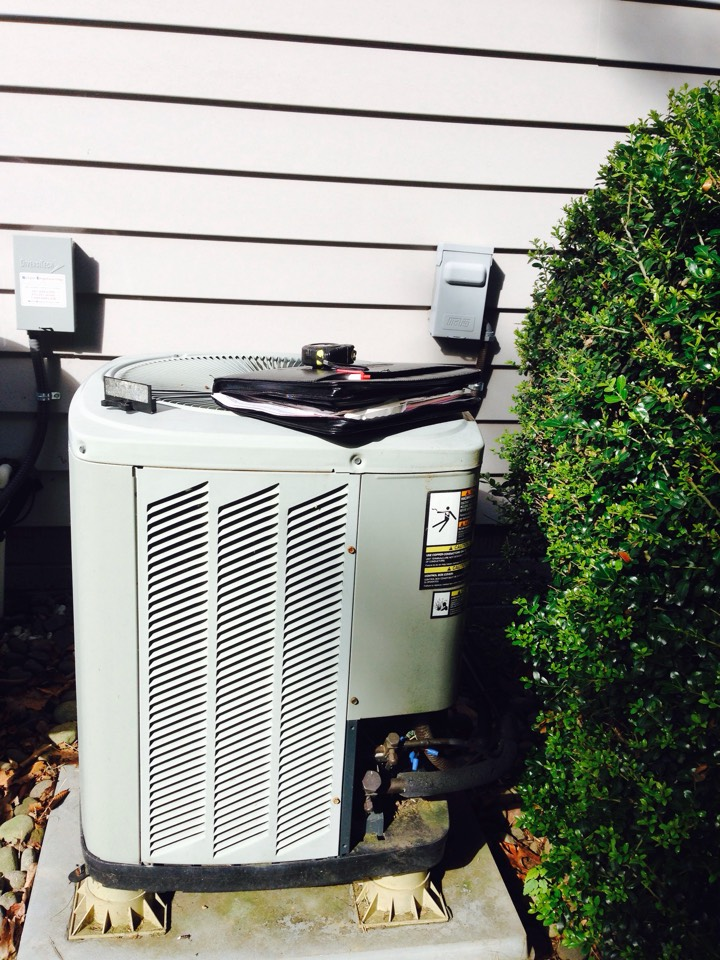Gambrills, MD - Trane heat pump AC air conditioning & heating system replacement installation repair service call in Gambrills Maryland 21054