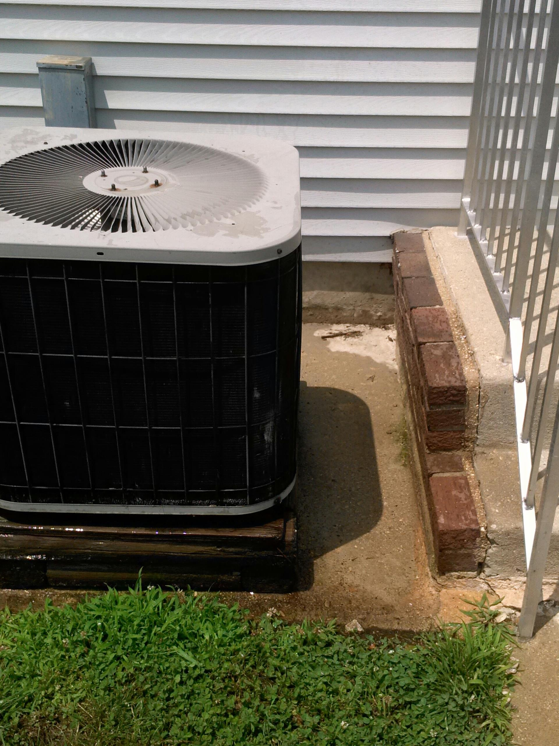 Crofton, MD - Goodman ac air conditioning & heating system installation repair service call Crofton Maryland 21114