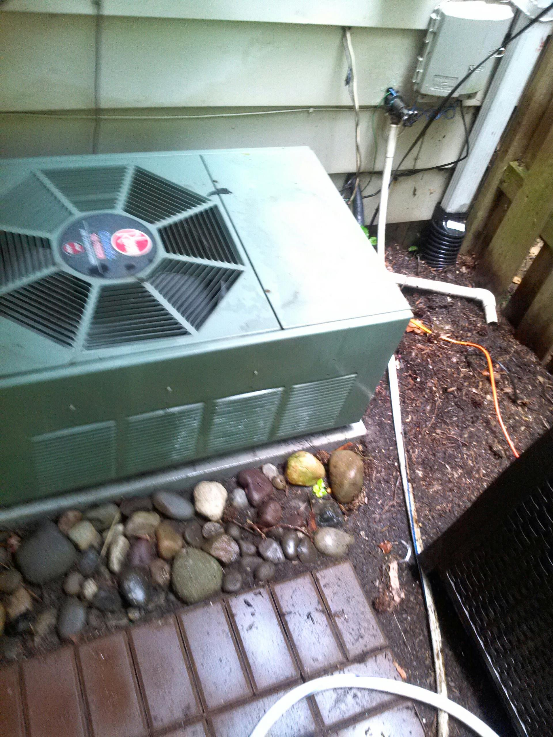 Crofton, MD - Rheem ac air conditioning & heating system installation repair service call Crofton Maryland 21114