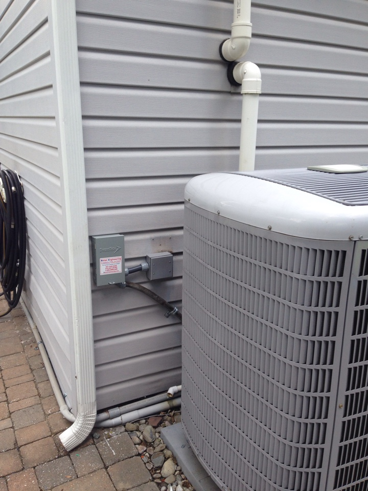 Crofton, MD - Carrier heat pump furnace heating & ac air conditioning system rplacement installation service call Crofton Maryland 21114