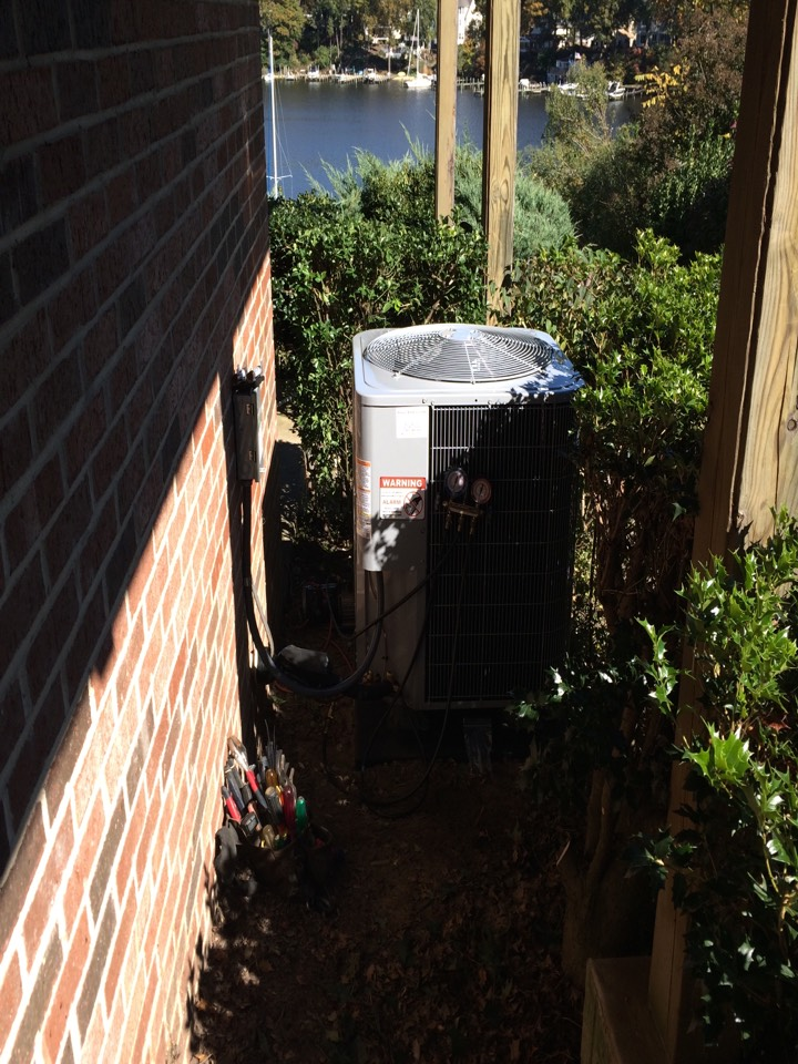 Crownsville, MD - Carrier heat pump heating & air conditioning system installation repair service call Crownsville Maryland