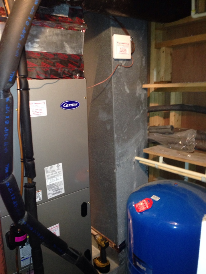 Crownsville, MD - Carrier heat pump heating & air conditioning system replacement installation repair service call in Crownsville Maryland