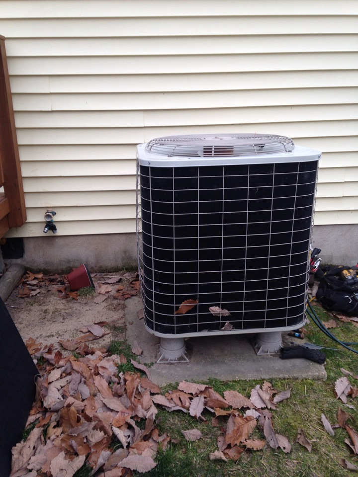 Hanover, MD - Bryant heat pump furnace heating & AC system replacement installation repair service call Hanover Maryland
