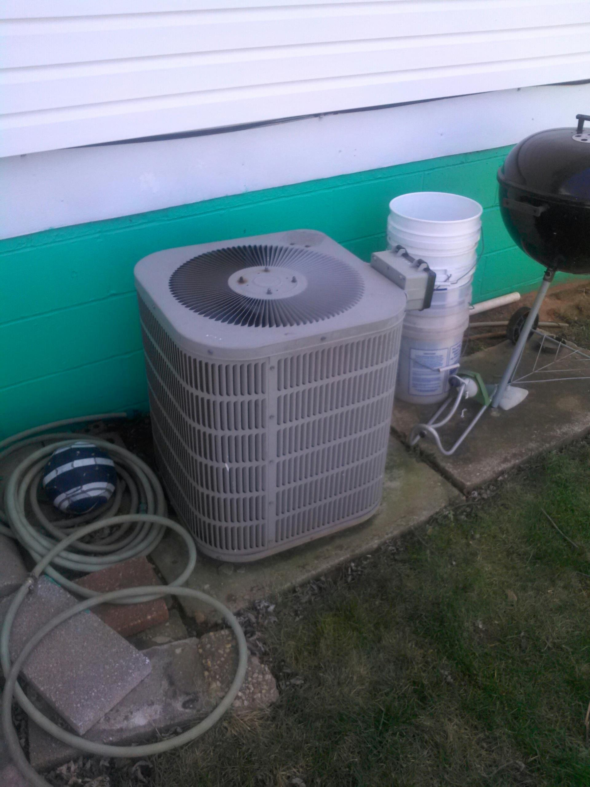Glenarden, MD - Goodman York AC air conditioning & cooling system repair service call Glenarden Maryland