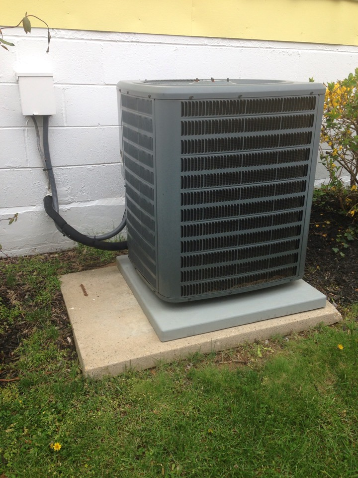 Glenarden, MD - Goodman AC air conditioning & heating system replacement installation service call Glenarden Maryland