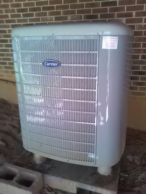 Friendship, MD - Carrier heat pump air conditioner repair service Friendship Maryland