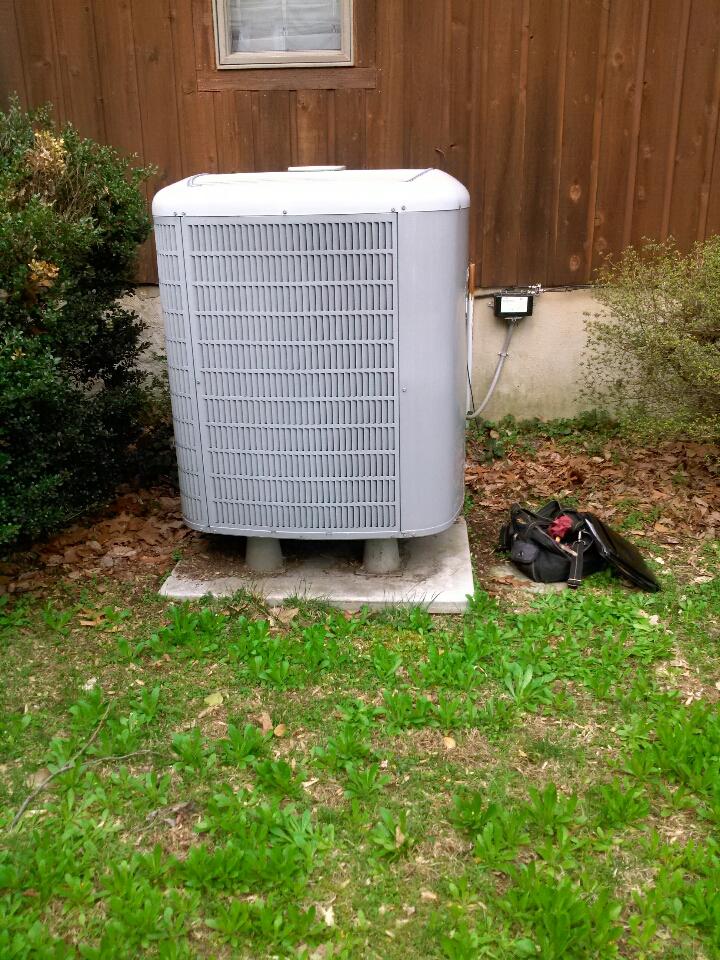 Crownsville, MD - Heat pump AC repair service call in Crownsville Maryland.