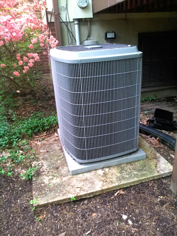 Crownsville, MD - Carrier AC air conditioner heating & air conditioning system installation service call in Crownsville Maryland.