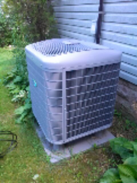 Crownsville, MD - Carrier heat pump AC air conditioner heating & air conditioning system replacement installation service call in Crownsville Maryland.