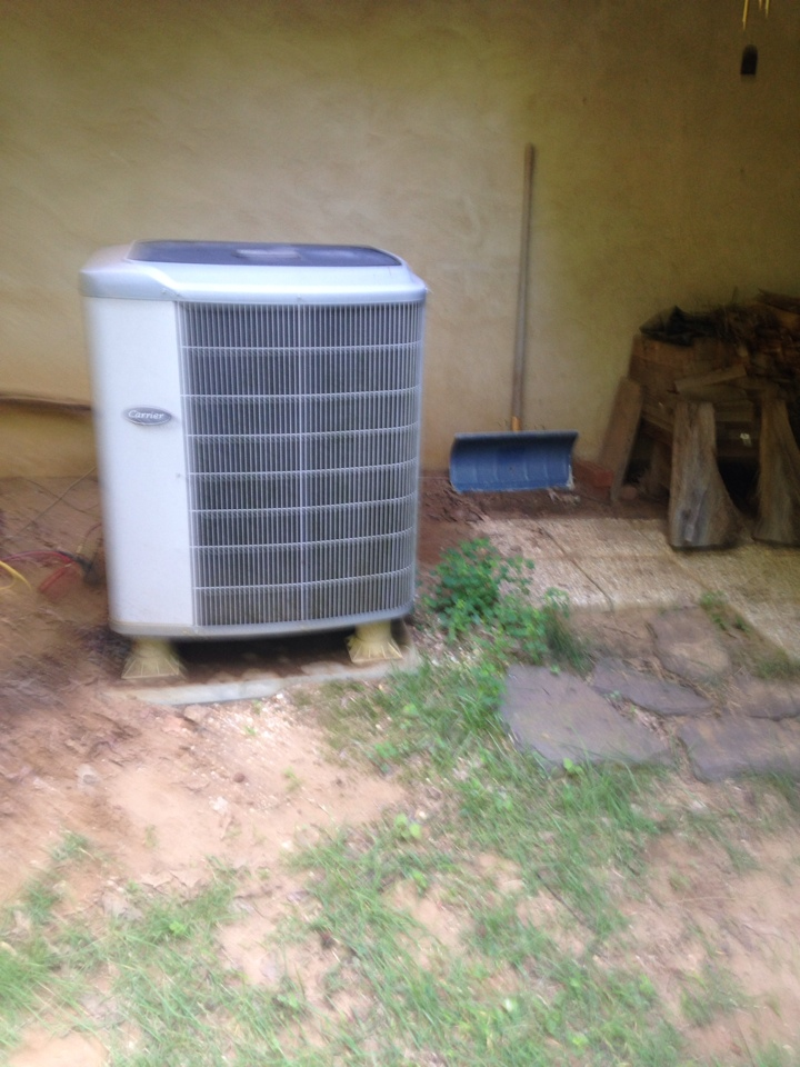Gambrills, MD - Heatpump A/C air conditioning heating & cooling system replacement installation service call in Gambrills Maryland.