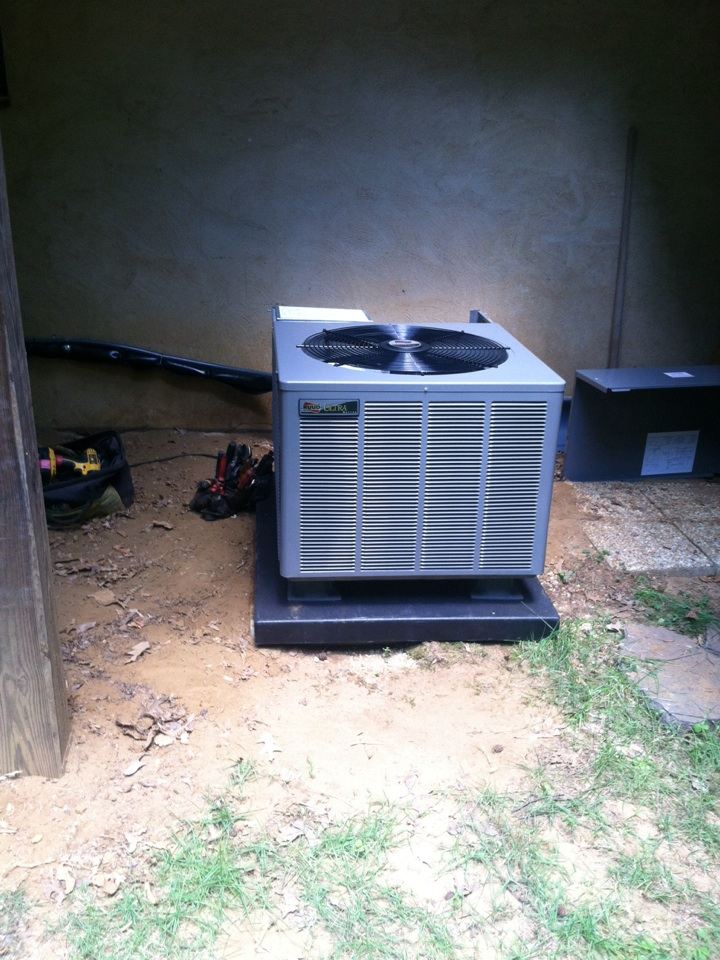 Gambrills, MD - Ruud heat pump AC heating & air conditioning system replacement installation service call in Gambrills Maryland.