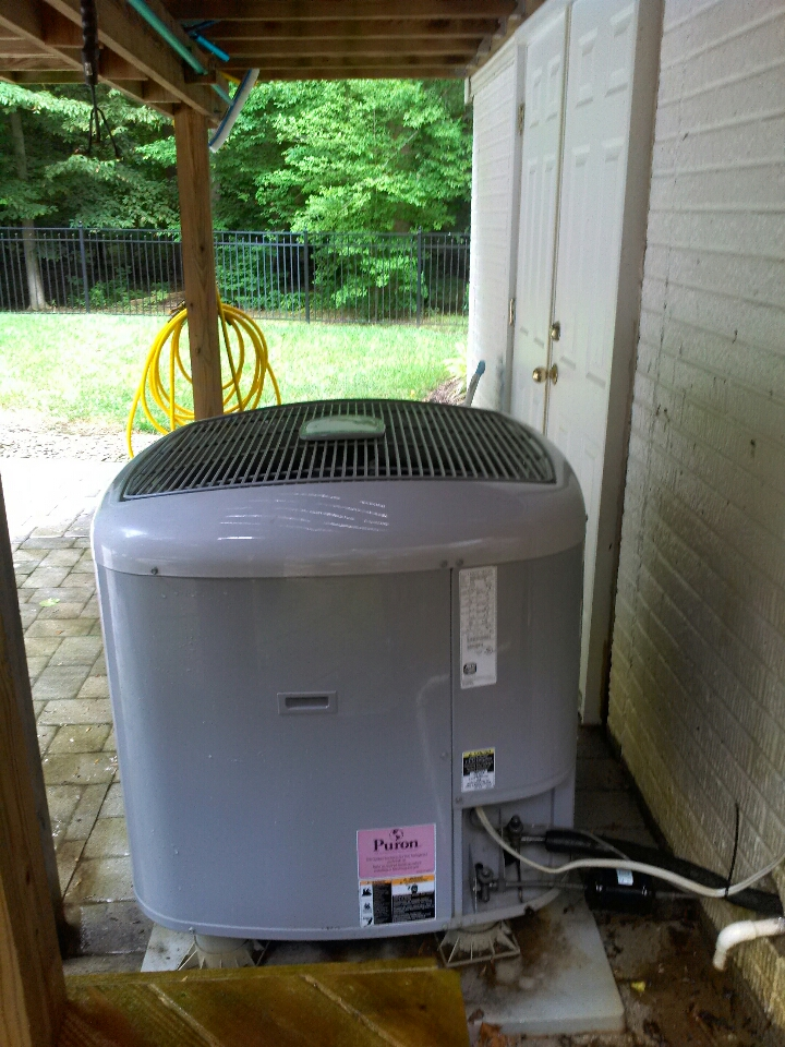 Gambrills, MD - carrier heat pump ac heating & air conditioning system installation repair service call in gambrills maryland.