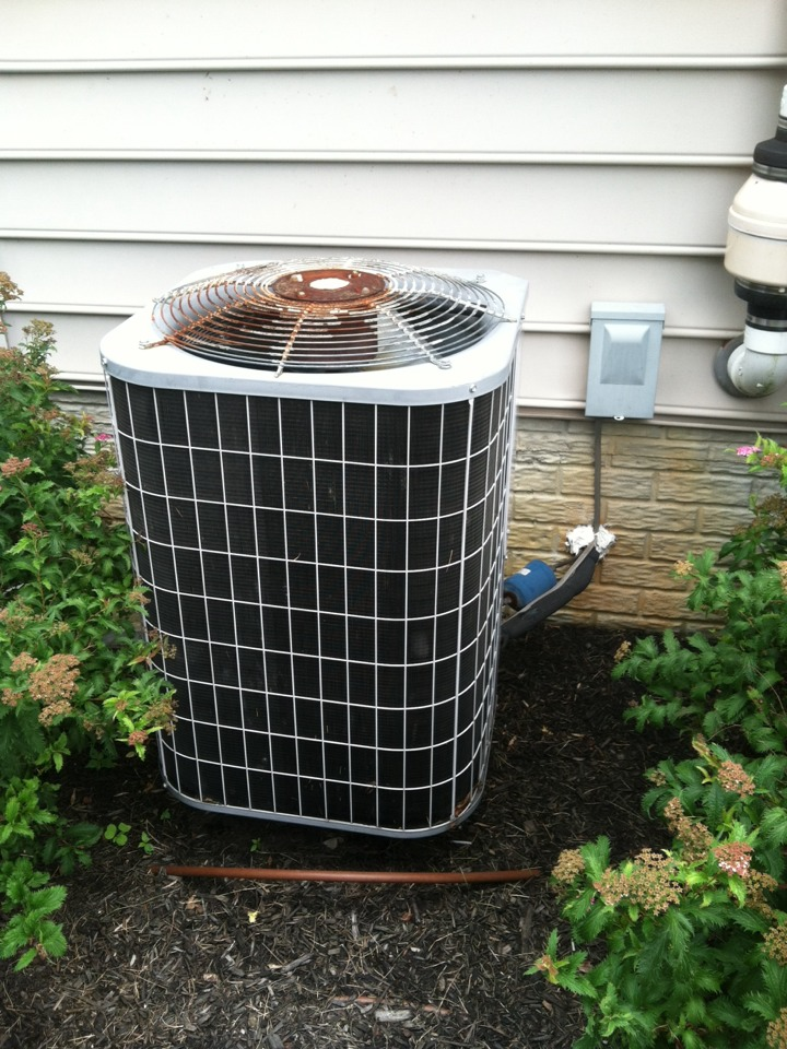Crownsville, MD - Heat pump AC air conditioner heating & air conditioning system replacement installation service call in Crownsville Maryland.