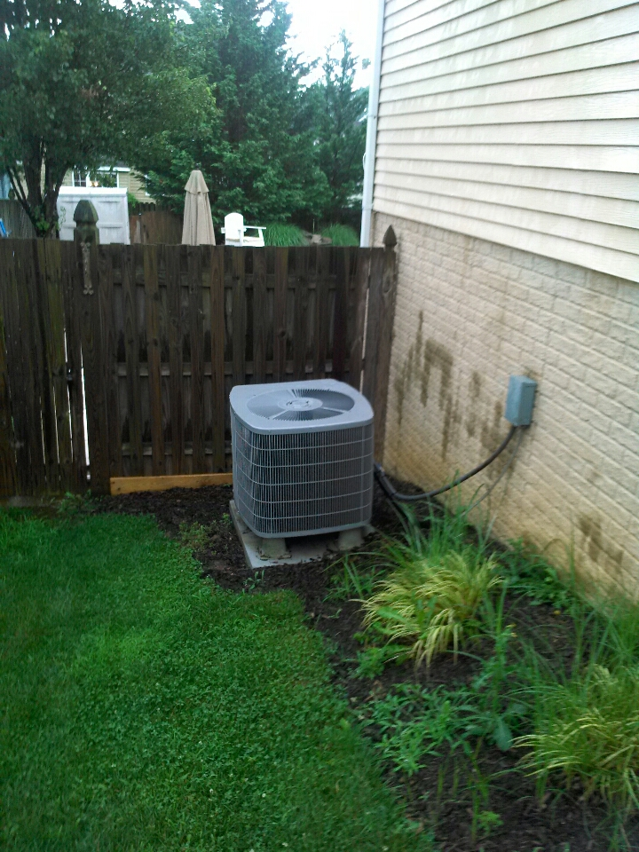 Gambrills, MD - Carrier heat pump AC heating and air conditioning system installation repair service call in Gambrills Maryland.