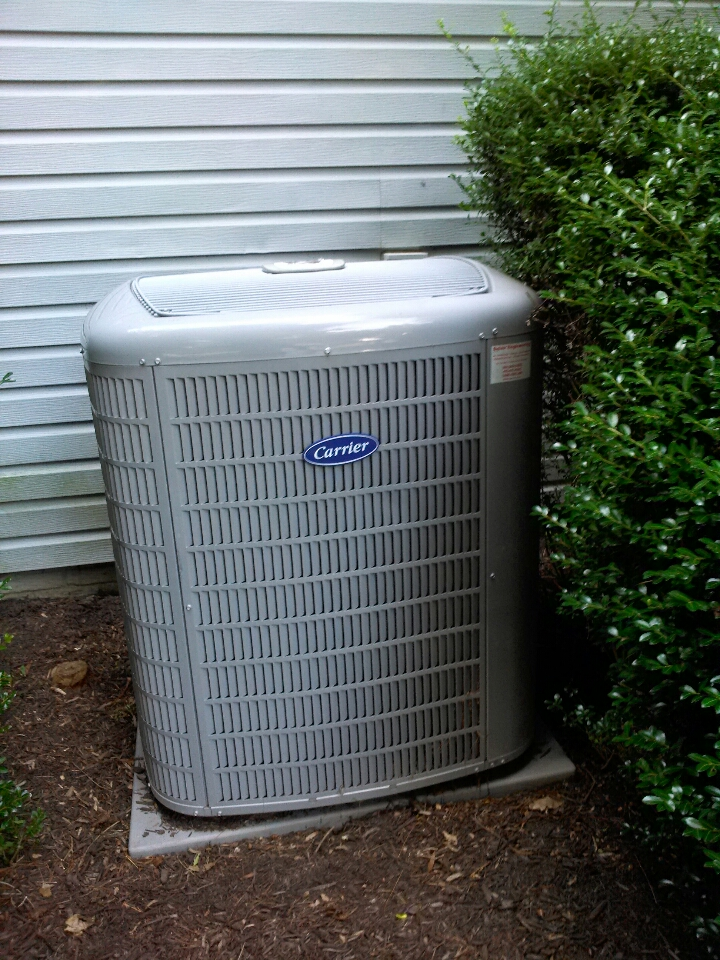 Crofton, MD - Carrier AC air conditioner heating & air conditioning system installation repair service call in Crofton Maryland.