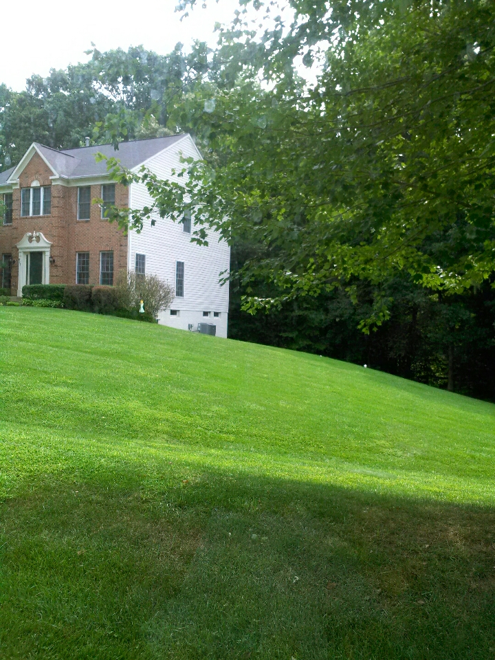 Crownsville, MD - carrier heat pump ac air conditioner heating & air conditioning system repair service call in Crownsville Maryland.
