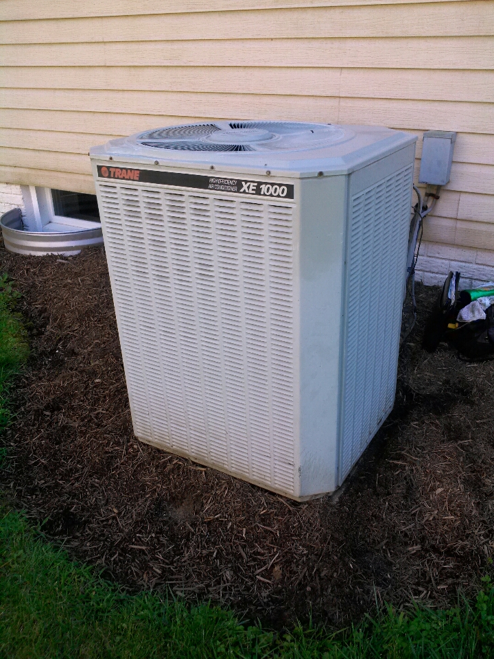 Crofton, MD - Trane XE 1000 AC furnace heating and air conditioning system installation repair service call in Crofton Maryland.