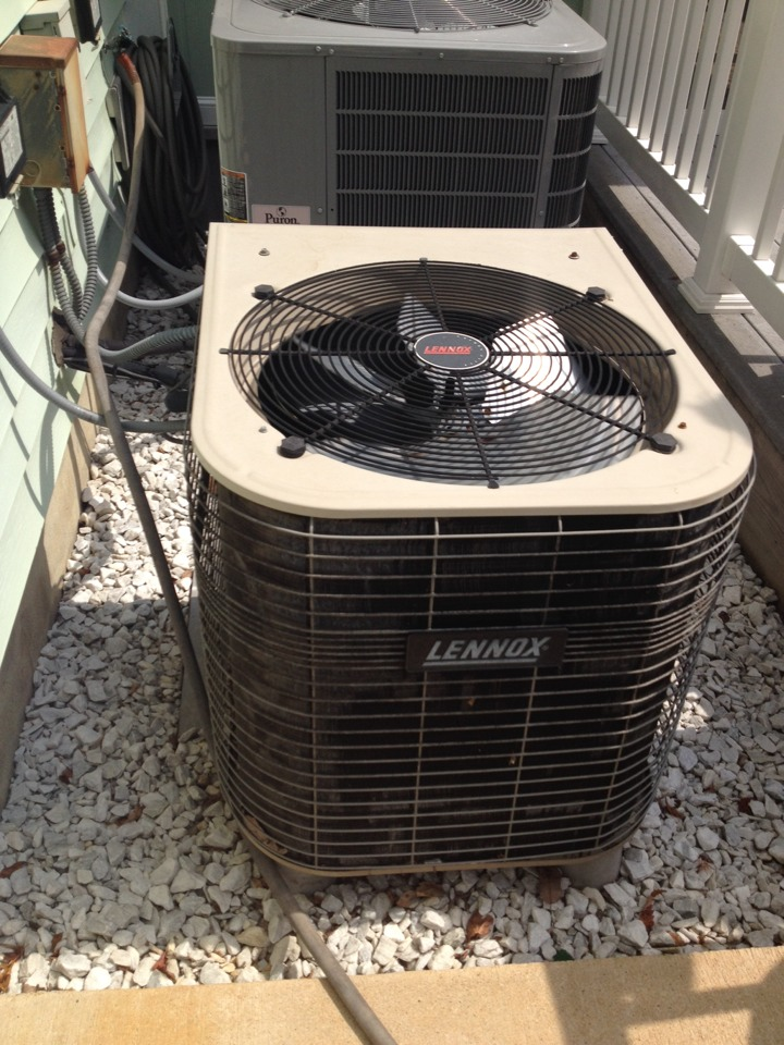 Hanover, MD - Lennox heat pump furnace & ac air conditioner heating and air conditioning system replacement installation service call in Hanover Maryland.