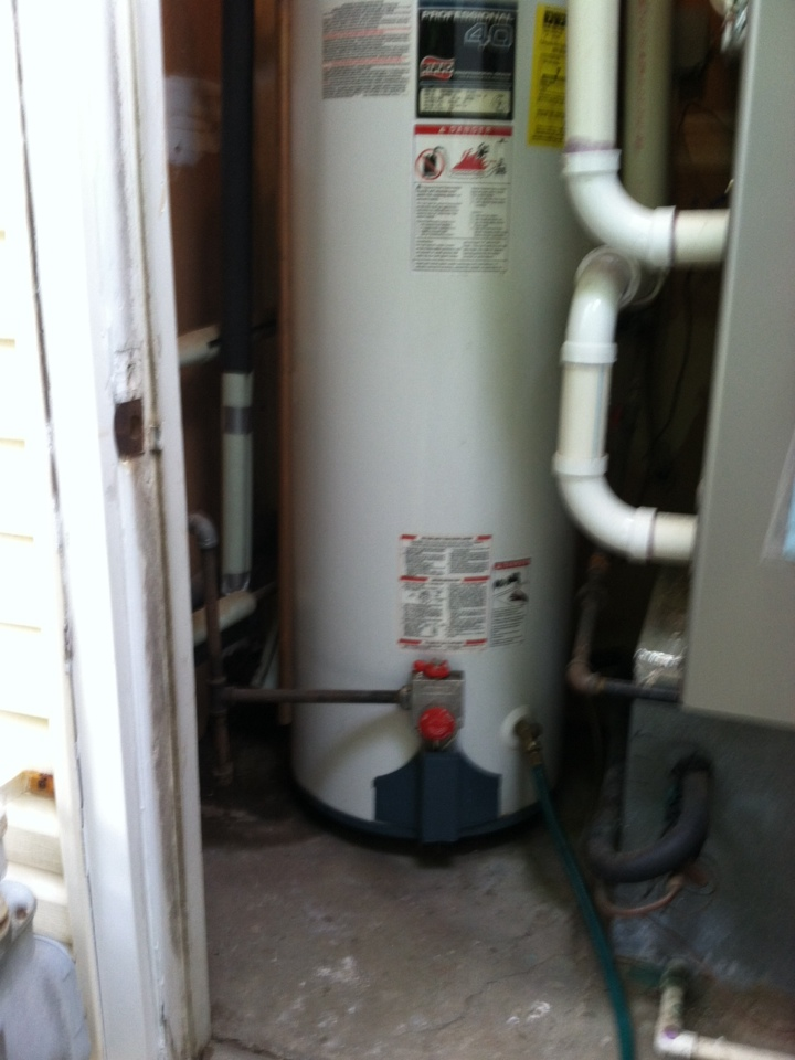 Crofton, MD - 40 gallon gas hot water heater replacement installation & plumbing repair service call in Crofton Maryland.