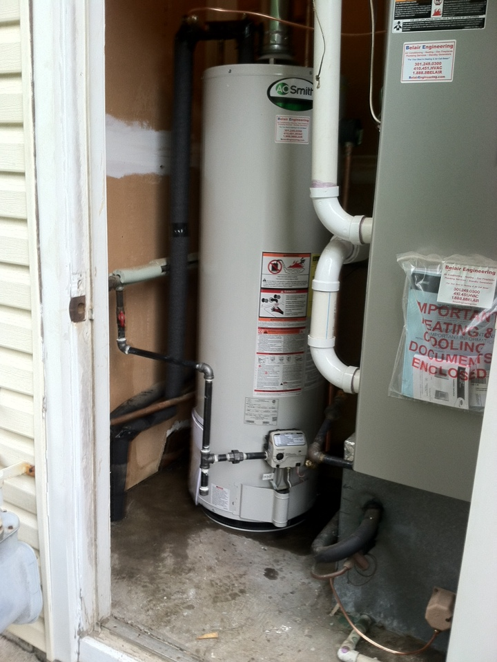 Crofton, MD - AO Smith water heater replacement installation & plumbing repair service call in Crofton Maryland.